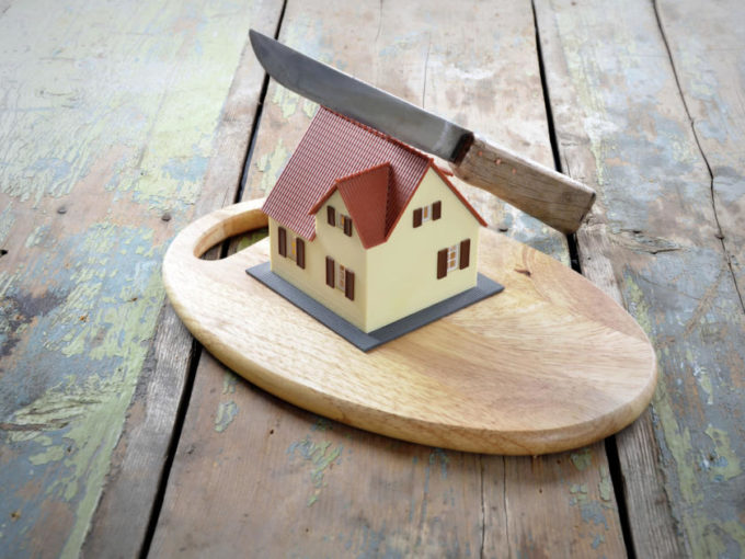 Splitting the house after divorce